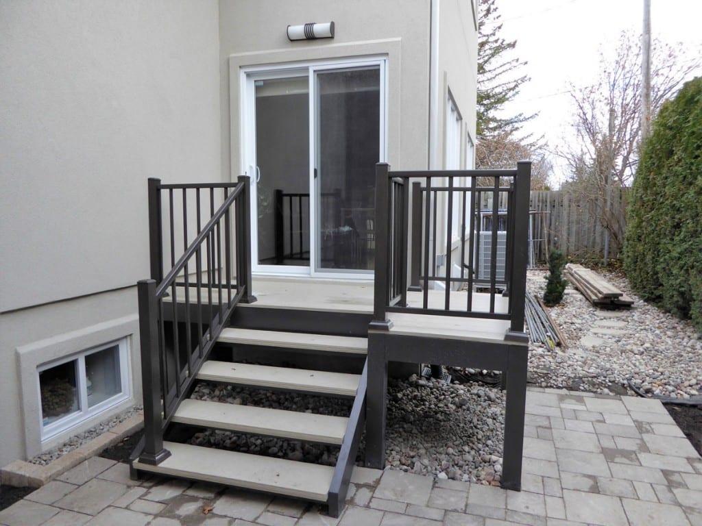 rampes escaliers et balcons aluminium lg. Black Bedroom Furniture Sets. Home Design Ideas